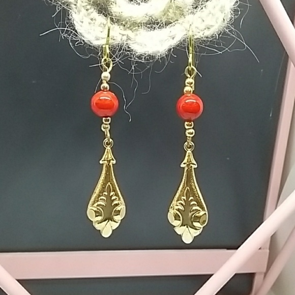 Jewelry - Vintage red and gold earrings